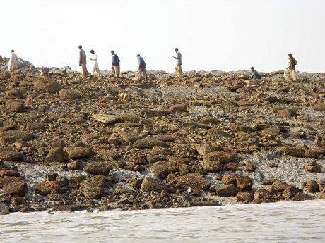 pulau baru gempa pakistan