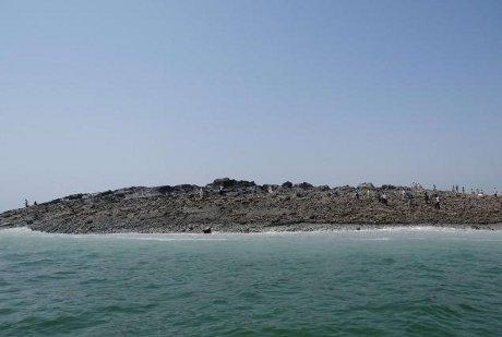 pulau baru muncul setelah gempa pakistan